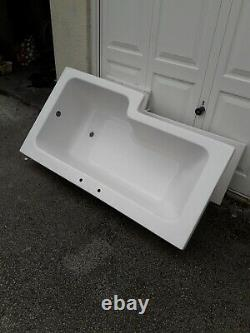 L shape bath 1600 complete with pannaling & shower screen