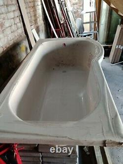 P shaped bath with side panel and glass LUXURY shower screen COMPLETE Unused