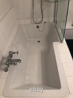 T SHAPE BATH But Also Used As Shower. Comes With Screen And Shower, Complete Set
